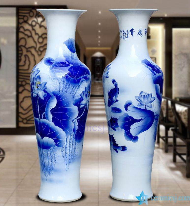 Floor ceramic vase with flower pattern