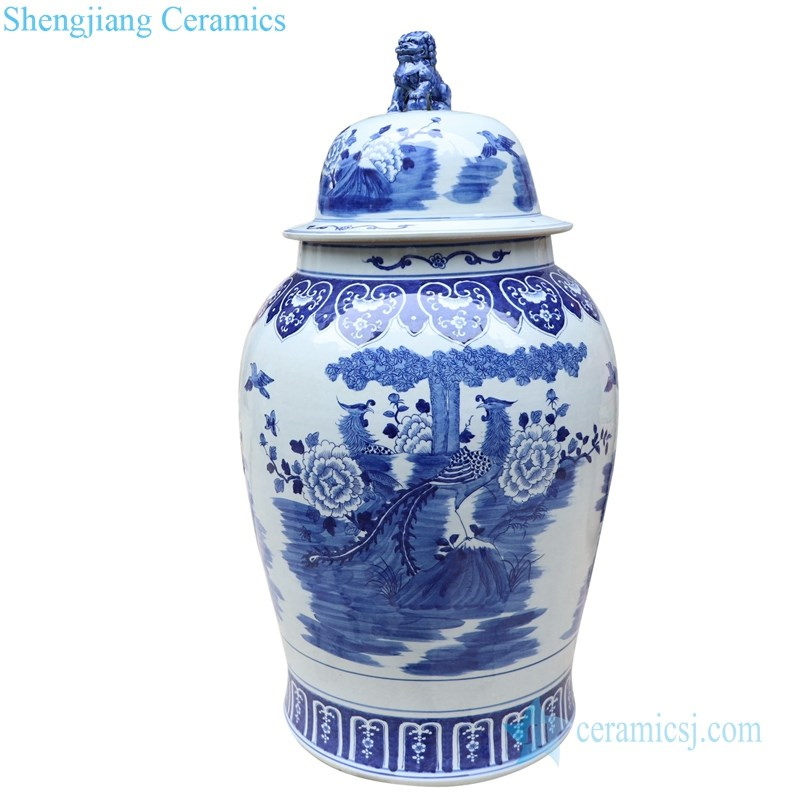 blue and white porcelain  jar with lion's head shaped lid