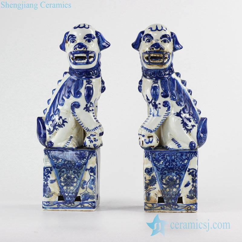 Blue and white color crouching foo dogs ceramic  figurine
